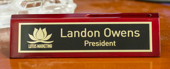 Customized Rosewood Desk Plate
